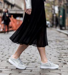 PUMA Women's Vicky Platform Sneaker Y3PLU