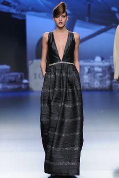 Ion Fiz [fall-winter 2012-2013] #IonFiz #moda #tendencias #pasarela #fashiontrends #catwalk #fw2012 #MBFWMadrid #bybmagazine