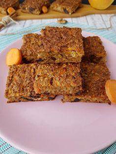 prajitura carrot cake fara zahar Baby Food Recipes, Cake Recipes, Dessert Recipes, Vegetarian Recipes, Healthy Recipes, Raw Desserts, Deserts, Food Porn, Food And Drink