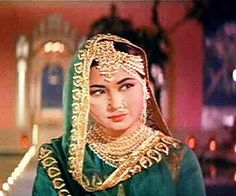 Pakeezah Jhoomer - vintage bollywood