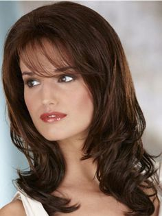 Straight side blasts look stunning with full wavy hair. On the off chance that you have a square face, these blasts will convey a precise look to your face. Haircuts For Long Hair With Bangs, Curly Hair With Bangs, Wavy Haircuts, Long Hair Cuts, Hairstyles With Bangs, Curly Hair Styles, Natural Hair Styles, Thin Wavy Hair, Super Curly Hair
