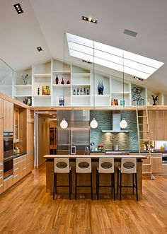 Modern Meets Traditional: Contemporary Residence in Tyrol Hills, Minneapolis