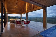 David Guerra Architecture have completed a mountain house in Nova Lima, Minas Gerais, Brazil. The idea was to create a house linked to nature which works a Balcony Design, Patio Design, Home Epiphany, Glass House Design, Outdoor Dining, Outdoor Decor, Outdoor Spaces, Outdoor Life, Outdoor Ideas