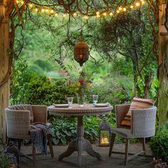 Un jardín hermoso trae tranquilidad y equilibrio para tu vida. En #TerraPyJ te apoyamos en tu proyecto de #paisajismo, para que tus propiedades campestres sean tu refugio.