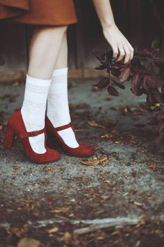 These red suede pumps with the thick heal are so cute!