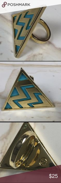 """{HoH 1960} 14K GP Leather Triangle Cocktail Ring •House of Harlow 1960; NWOT                         •14K Gold-Plated teal leather accented Triangle Cocktail Ring.                                             •Approx. 1.5"""" L X 1.5"""" W ring face.                  •Size 7 House of Harlow 1960 Jewelry Rings"""