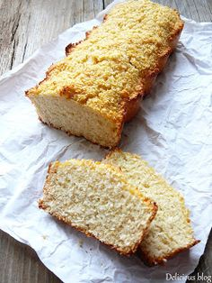 This cake mix banana bread recipe only needs 3 ingredients! Bisquick Banana Bread, Cake Mix Banana Bread, Best Banana Bread, Chocolate Chip Banana Bread, Banana Bread Recipes, Banana Bread 3 Ingredient, 3 Ingredient Cakes, Different Cakes, Different Recipes