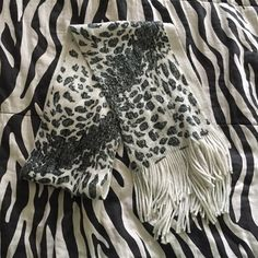 Pattern scarf Great for winter. No stains or flaws. Great. condition. Off white  back side Accessories Scarves & Wraps