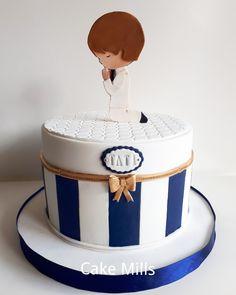 Torta de Comunión varón en azul/ First Communion Cake for Boy in blue Boy Communion Cake, First Holy Communion Cake, Baptism Party Decorations, First Communion Decorations, Christening Cake Boy, Monster Truck Party, Cakes For Boys, Occasion Cakes, Cupcake Cakes