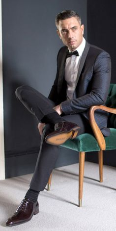 suit me up please Mens Fashion Summer Outfits, Mens Fashion Suits, Mens Suits, Designer Suits For Men, Mens Designer Shoes, Mens Evening Wear, Modern Suits, Mens Shoes Boots, Herren Outfit
