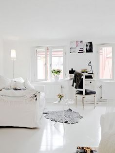The minimalist's white living room