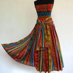 Robe bustier en coton imprimé multicolore dessin ethnique, top smocké sur jupe 45 pans : Robe par akkacreation