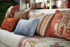 Bohemian style is eclectic and global with lots of hippie patterns, textures and plants, giving an artisanal and nomadic impression. Drapery Fabric, Curtains, Peter Lee, Boho Decor, Bohemian Style, Henna, Upholstery, Colours, Throw Pillows