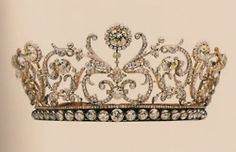 I just have a soft spot for crowns and glittery things lol. This is beautifullll