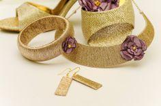 Gold high heels and jewelries with flowers by www.bogiekszer.hu