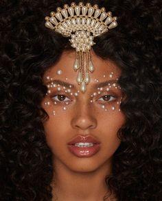 """mykeesha nelson by sarah brown, makeup by niki & hair by luke"" Makeup Inspo, Makeup Art, Makeup Inspiration, Beauty Makeup, Eye Makeup, Hair Makeup, Hair Beauty, Brown Makeup, Curly Girls"