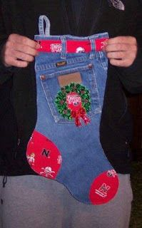 Blue jean stockings at Nebraska ViewsA friend of mine cut out stocking shapes from the old denim jeans and had them ready for her family when they came to her home for their .Cum refolosim blugii vechi si ne pregatim de sarbatori in acelasi timp[Chri Christmas Stocking Pattern, Christmas Sewing, Christmas Deco, Diy Christmas Ornaments, Homemade Christmas, Christmas Projects, Holiday Crafts, Christmas Holidays, Jean Crafts