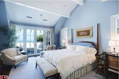 Howie Mandel's Cape Cod-Style Home For Sale in Malibu bedroom Cape Cod Bedroom, Blue Master Bedroom, Large Bedroom, White Bedroom, Periwinkle Bedroom, Pretty Bedroom, Master Suite, Cape Cod Style House, Malibu Homes