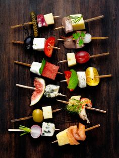 Skewers // love the variety of flavors and colors, really pretty, leaves you open to combining any fruit, veggie, meat and cheese #appetizer