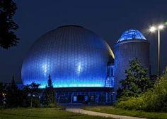 Das Planetarium in Prenzlauerberg lädt das ganze Jahr über zu spannenden und unterhaltsamen Vorführungen ein >>Berlin Zeiss Großplanetarium
