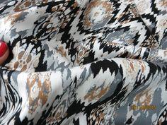 Fajny, nowoczesny wzór, dobra jakość,naturalny materiał. Co więcej potrzeba, aby pokusić się o uszycie nowej sukienki, czy eleganckich spodni? Domieszka elastanu pozwoli ładnie dopasować tkaninę do...
