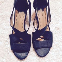 Nine West | Ronton Leather Wedge Black Sandals LOWEST PRICE!!!!!  Perfect condition, like new - worn once! Black leather upper with cross straps and zipper in back. Easy heel to walk in. Super cute. Happy Poshing! ✖️model // trade // pp // hold Nine West Shoes Wedges