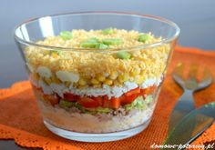 Warstwowa sałatka z tuńczyka • Domowe Potrawy Guacamole, Salad Recipes, Mexican, Dinner, Vegetables, Ethnic Recipes, Sony, Poland, Cookies
