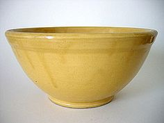 Very old Bauer Pottery Los Angeles mixing bowl yellow ware