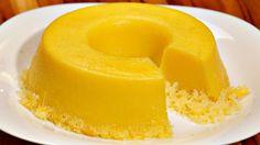 1 colher (sopa) de margarina 3 xícaras (chá) de açúcar 50 g de coco ralado 5 ovos 4 gemas 2 garrafas de leite de coco (400ml) Margarina para untar Açúcar para polvilhar Comentários comments