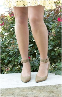 Show off those legs! These ankle straps do the trick with a gorgeous neutral and fun buckled strap. #dsw #shoelover
