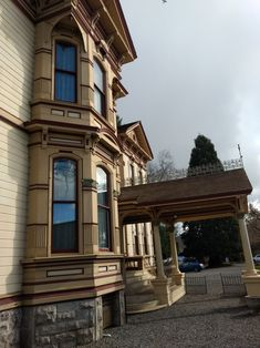"""Meeker Mansion Puyallup WA, exterior. """"This house is a product of master craftsmen, machines to do more work faster, and the money to pay what was needed - all three of these existed in a very narrow time period."""""""