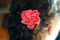 A neat DIY for how to make fabric flowers! i LOVE flowers in my hair. I've been doing it for YEARS, but now I can't find any that I like in the stores :( can't wait to try this out!