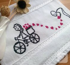 This Pin was discovered by mey Wedding Cross Stitch Patterns, Cross Stitch House, Palestinian Embroidery, Bargello, Brick Stitch, Diy And Crafts, Projects To Try, Towel, Kids Rugs