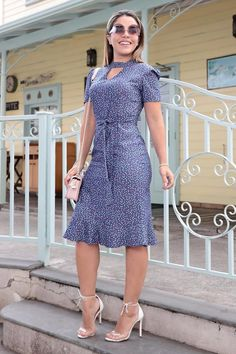 Stylish Work Outfits, Chic Outfits, Dress Outfits, Simple Dresses, Pretty Dresses, Beautiful Dresses, Short African Dresses, Style Feminin, Kurta Designs Women