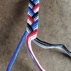 """Friendship Bracelets & Macrame on Instagram: """"Working on a custom order for a returning customer! I love it when people are happy about the bracelets they bought from the shop! 💙❤️🖤"""" Homemade Bracelets, Diy Bracelets Easy, Summer Bracelets, Cute Bracelets, Thread Bracelets, Embroidery Bracelets, Macrame Bracelets, Macrame Knots, Loom Bracelets"""