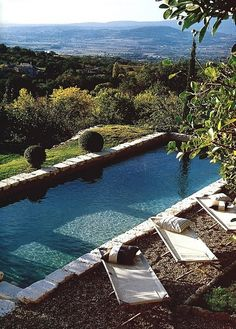 Love the cots! Hillside pool in Provence, France Beautiful Pools, Beautiful Places, Hello Beautiful, House Beautiful, Beautiful Scenery, Hillside Pool, Outdoor Spaces, Outdoor Living, Outdoor Pool