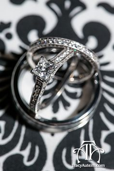 What a gorgeous wedding ring! Photo by tracyautem.com