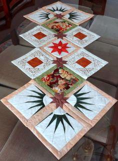 Patchwork Maria Adna: Patchwork, bolsas, bonecas, mantas, panôs, almofadas, trilhos de mesa e afins: VÍDEO - Caminho (trilho) de mesa em patchwork Evie...