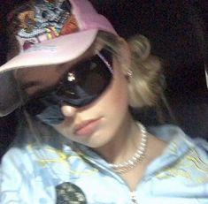 Swag Girl Style, Girl Swag, 2000s Fashion, Girl Fashion, Fashion Outfits, Bad Girl Aesthetic, Aesthetic Clothes, Aesthetic Grunge, Aesthetic Fashion