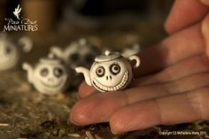 grinny teapots for English witches