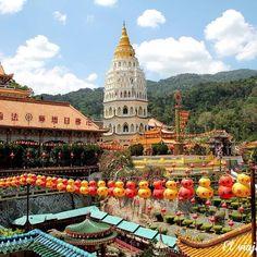 El mejor secreto de #Penang: el #Templo Kek Lok Si #Malasia #Malaysia #Temple #Budist #Isla #Iland #Budism #KekLokSi #Asia #ChineseNewYear by viajedemivida.es