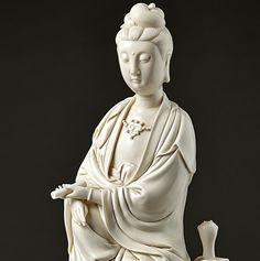 Kunstauktionshaus Schlosser - www.kunstauktionshaus-schlosser.de Guanyin, China, Qing-Dynastie #C19th #Qing #dynasty #清 (1644-1911) defeated the #Ming #empire #明,  #Manchus #Buddhism #Guanyin #Bodhisattva #gentle #compassion #Mercy #Sutra #Culture #Dehua #Blanc-de-Chine #Fujian #province  #Buddhist #Taoist #Deities #Sculpture www.bamberger-antiquitaeten.de