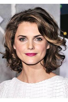 View yourself with Keri Russell hairstyles and hair colors. View styling steps and see which Keri Russell hairstyles suit you best. Short Curly Haircuts, Curly Hair Cuts, Short Hair Cuts, Curly Hair Styles, Frizzy Hair, Layered Haircuts, Hairstyles For Round Faces, Bob Hairstyles, Hairstyles Pictures