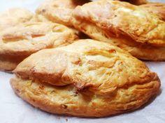 Τυρένια - Elpidas Little Corner Greek Appetizers, Little Corner, Bon Appetit, Apple Pie, Desserts, Recipes, Food, Big, Apple Cobbler