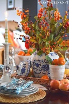 Include Trendy Copper into Your Thanksgiving Tablescape: Create and Share - Casa Watkins Living Thanksgiving Table Settings, Thanksgiving Tablescapes, Thanksgiving Decorations, Seasonal Decor, Thanksgiving Feast, Fall Home Decor, Autumn Home, Autumn Decorating, Fall Table