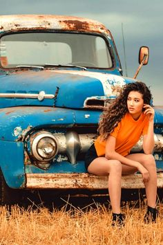 [rusty Ford truck girl] Fuel efficiency is not a dealer option – an abused six is less economical than any responsibly driven eight. Trucks And Girls, Car Girls, Pin Up Girls, Old Truck Photography, Photography Women, Old Trucks, Pickup Trucks, Car And Girl Wallpaper, Rockabilly Cars