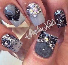 Fifty shades of Grey😍 Rhinestone Nails, Bling Nails, Great Nails, Love Nails, Grey Nail Designs, Heart Nail Art, Bright Nails, Best Acrylic Nails, Holiday Nails