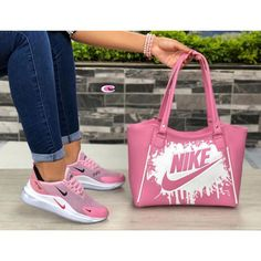 Nike purse and sneaker set Pumas Shoes, Shoes Sneakers, Zapatos Shoes, Nike Purses, Sneakers Fashion, Fashion Shoes, Nike Bags, Denim Tote Bags, Cute Nikes