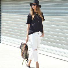 Un look davvero chic e glamorous per l'elegante Fashion Blogger Elisa Taviti, che accosta la Natwee Bag Camouflage a tacchi alti e cappello nero modello maschile. Il backpack è un tocco originale, alternativo alla classica borsa, che rende il suo outfit cool e mai banale, perfetto per una passeggiata pomeridiana o per un aperitivo in prima serata.  Sul suo blog http://www.myfantabulousworld.com/2015/06/natwee-backpack.html Elisa ci racconta le sue scelte di stile.