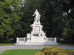Паметника на Моцарт